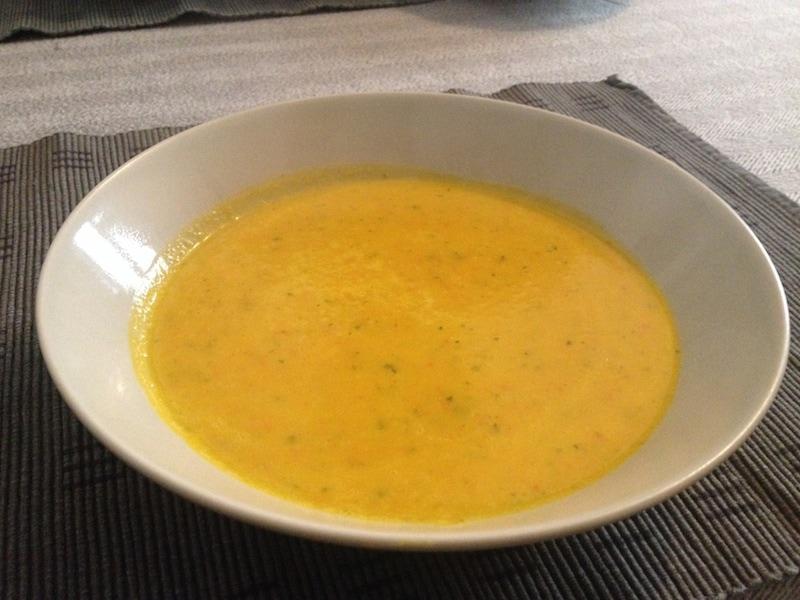 Kürbissuppe – die eigentlich Kürbis-Karotten-Kokos-Suppe heißen müsste
