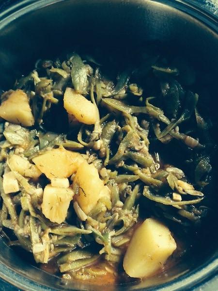 Bohnen-Kartoffel-Eintopf mit Knoblauch und Dill