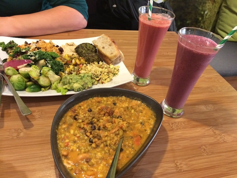 Wunderbares Essen und großartige Smoothies im Botaniq