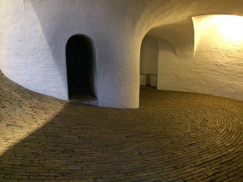 Im runden Turm – wie im Schneckenhaus…