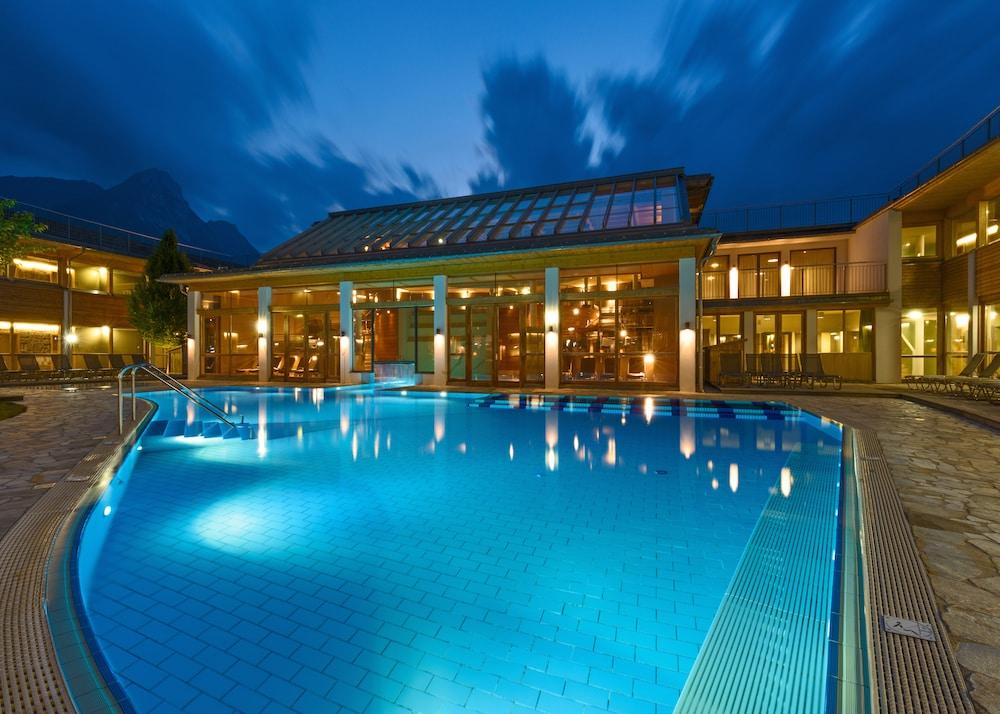 Das wunderbare Außenschwimmbad. Foto: Alexander Koller (Pressefoto)