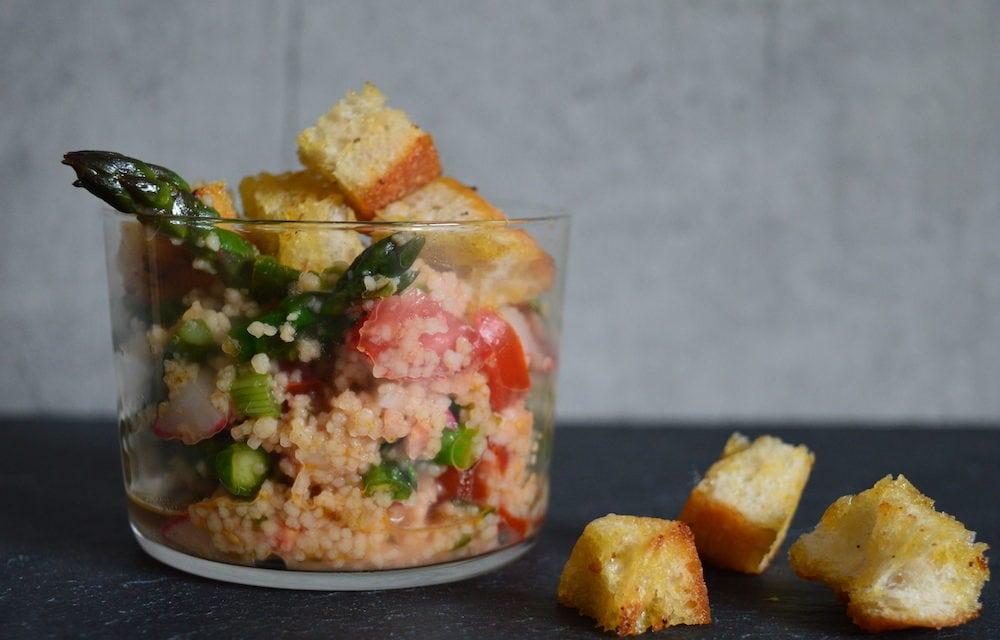 Spargel-CousCous-Salat mit selbstgemachten Croutons