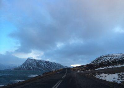 Die Straße am Hvalfjördur